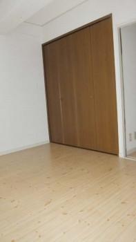 san 422 closet1