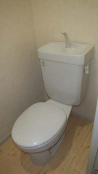 san 422 toilet