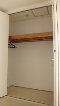 san 339 closet1